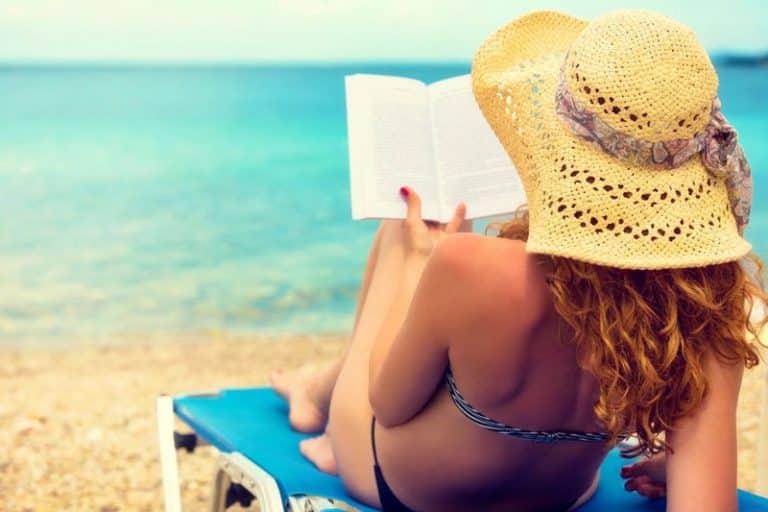 Read more about the article Libri erotici sotto l'ombrellone: 4 racconti hot da leggere